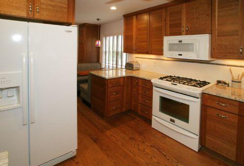 [111]Kitchen6.jpg
